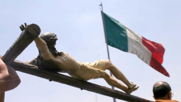 México: Estado laico es tema resuelto hace 150 años, dice AMLO