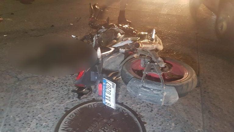 VÍDEO: motociclista muere en choque contra automóvil en SPS