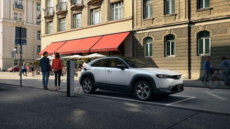 Mazda: Carros eléctricos dañan más el ambiente que los de diesel