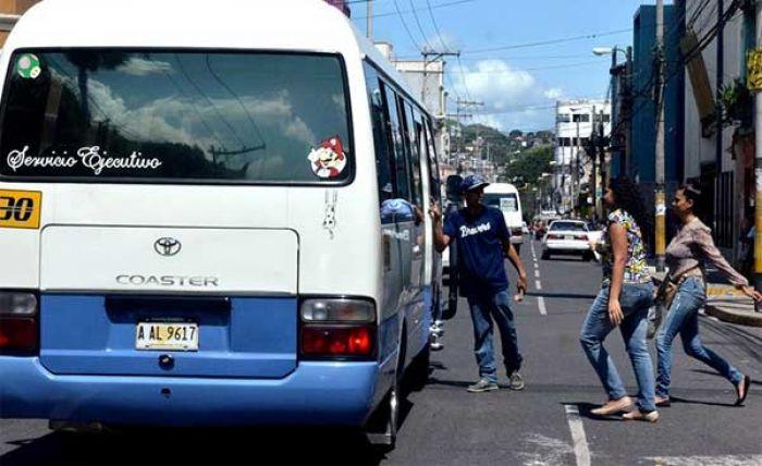 Desconcierto en el sector transporte: cobradores advierten que habrá paro