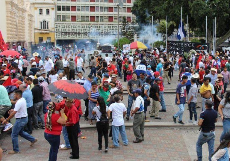 Salud mental de hondureños está afectada, según párroco Carlos Rubio