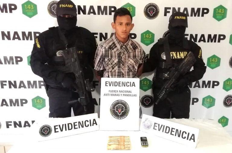 FNAMP captura a «El negrito», supuesto miembro de la pandilla 18