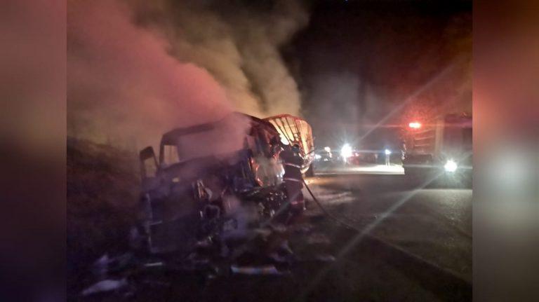 Honduras: conductor muere calcinado al incendiarse rastra que conducía