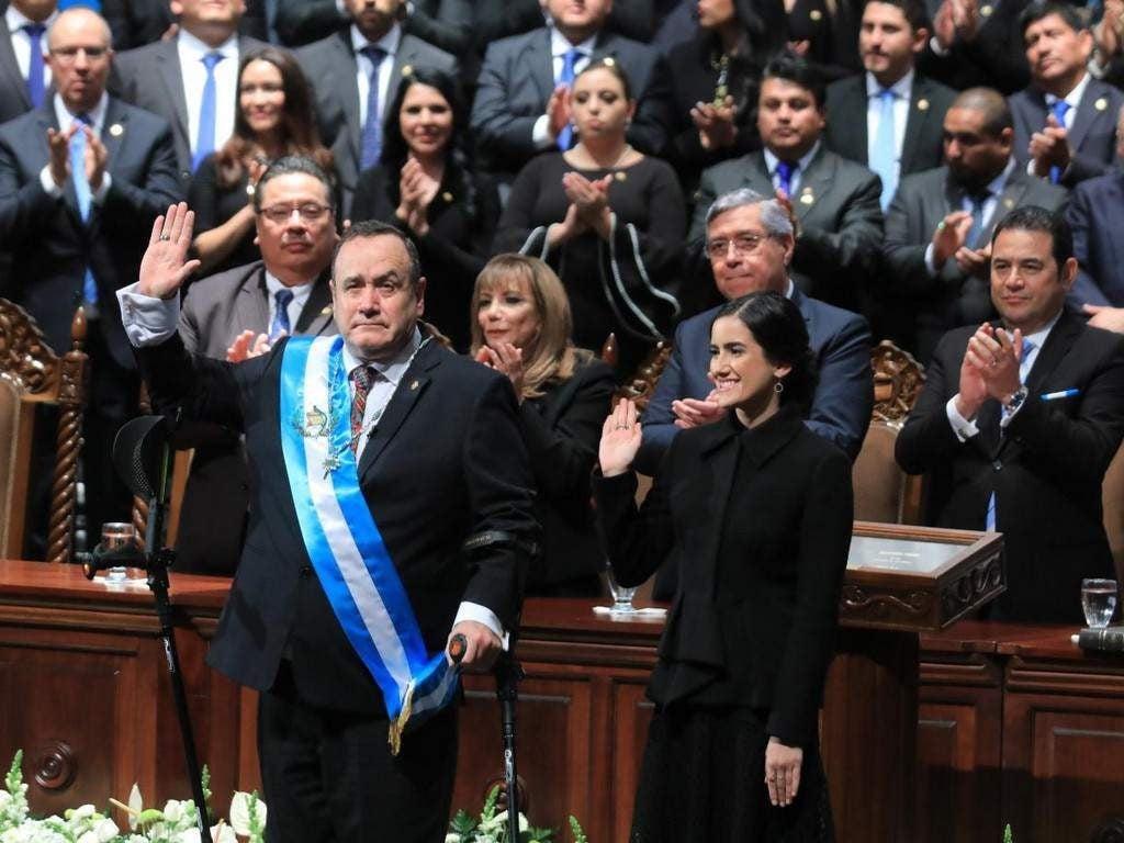 Alejandro Giammattei jura como nuevo presidente de Guatemala