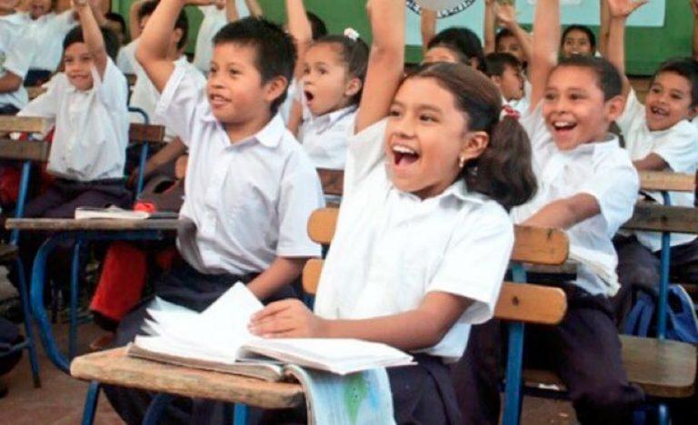 Educación: Clases inician oficialmente el 1 de febrero