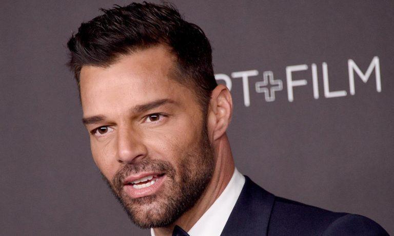 """Ricky Martin estrena nueva canción y vídeo """"Tiburones"""""""