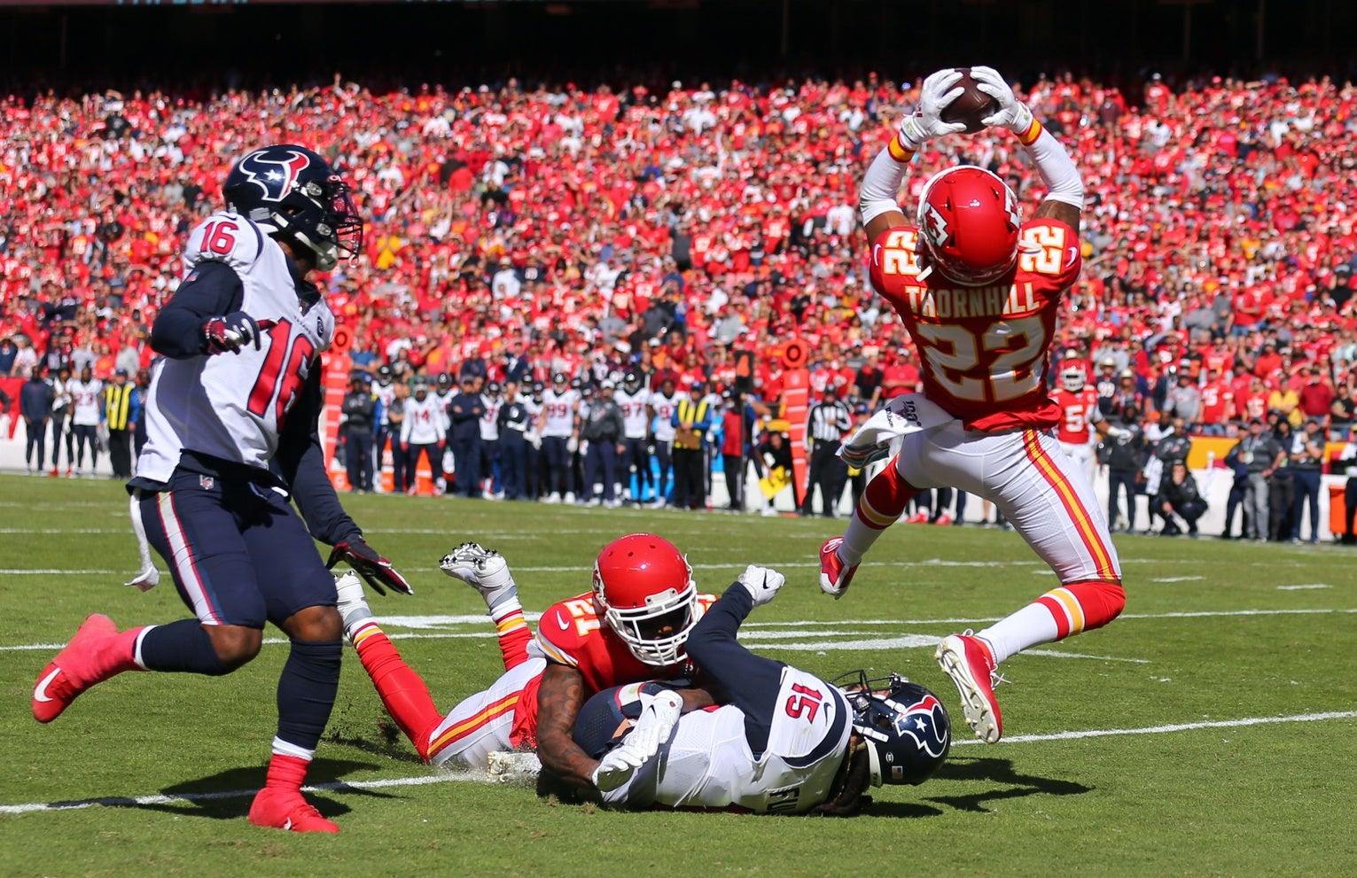 Chiefs derrota a Texans y clasifica a final de conferencia ante Titans