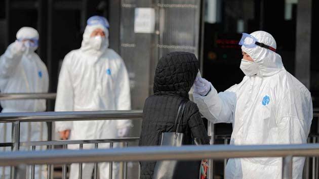 China: 1,367 muertos por coronavirus y 59,805 infectados