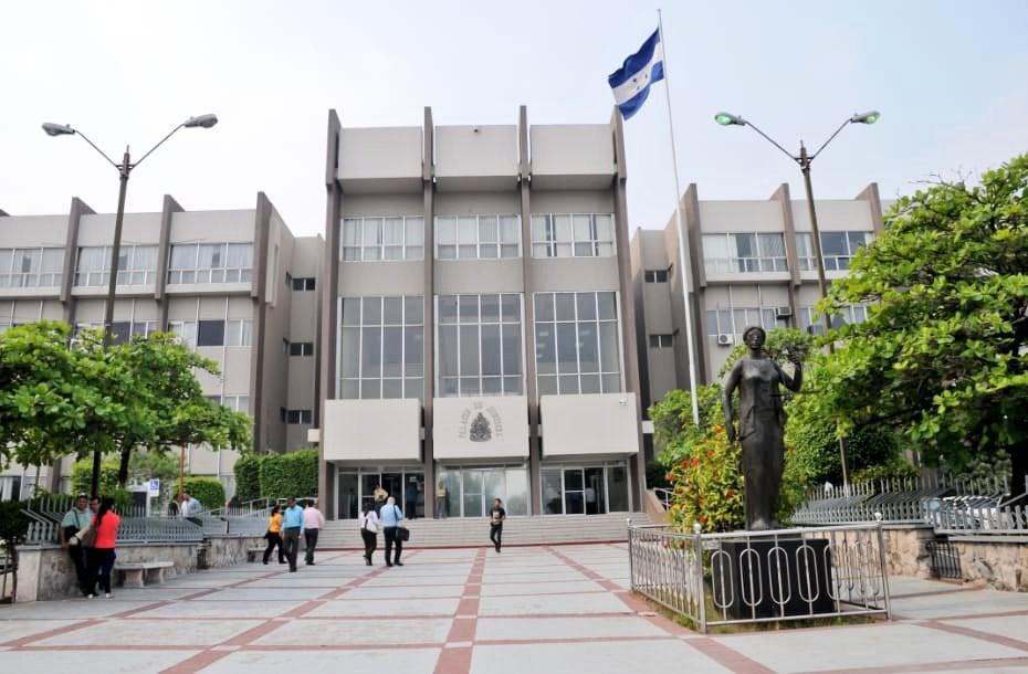 CN: aprueba ampliación de L250 millones al presupuesto del Poder Judicial