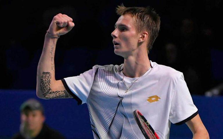 Promesa del tenis dijo odiar el deporte de la raqueta con todo su corazón
