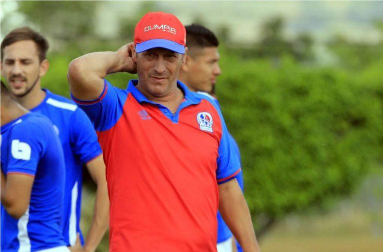 """Pedro Troglio: """"Salvo dos o tres cambios el once es el mismo; Chaco va de entrada"""""""