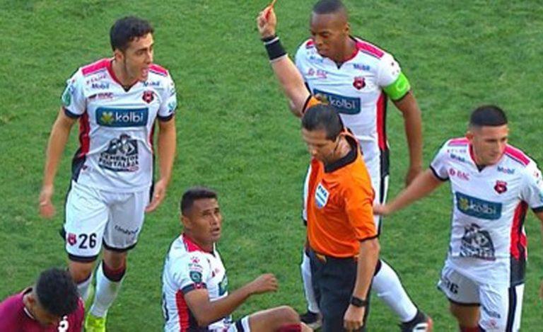 Alexander López recibe terrible castigo y multa por TDF de Costa Rica
