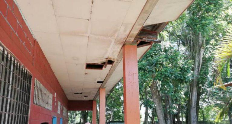 Cortés: 60 % de los centros educativos iniciarán clases con problemas de infraestructura