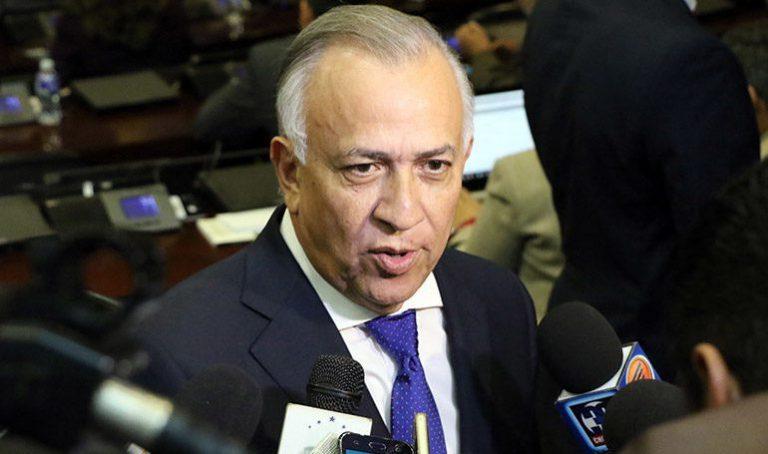 Elogian a Mauricio Oliva por promover diálogo y entendimiento en el país