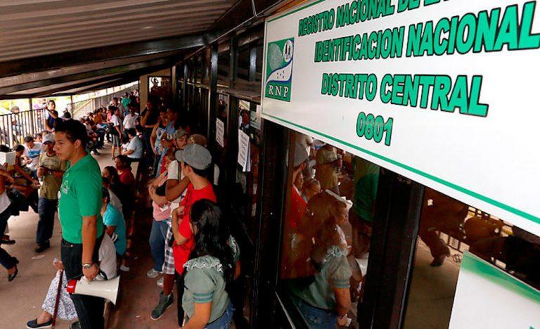 Demandan al Estado por incumplir licitación en compra de carros para el RNP