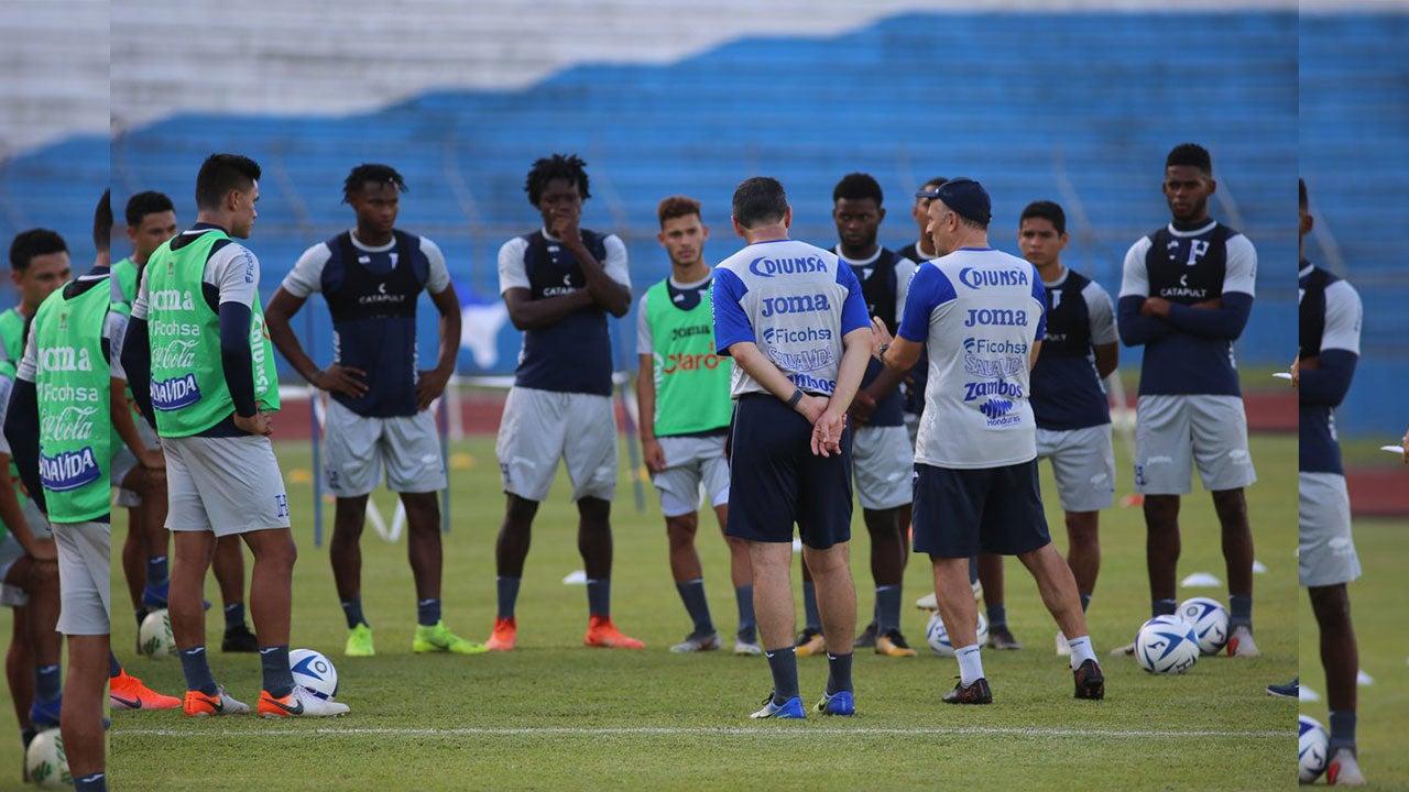 Fabián Coito perdería tres jugadores de la Sub-23 para los Olímpicos