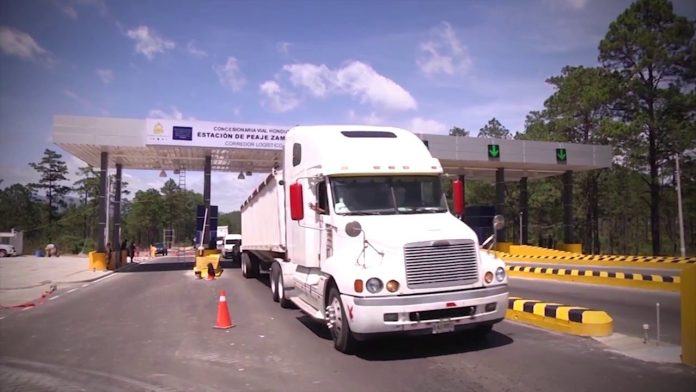 Transporte pesado podría irse a paro por aumento al peaje