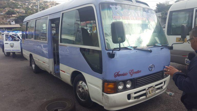 Atentan contra conductor de bus «rapidito» en Comayagüela