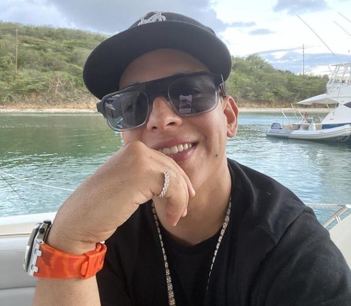 """Daddy Yankee: """"Vine a mi casa acuática para mantener distancia social"""""""