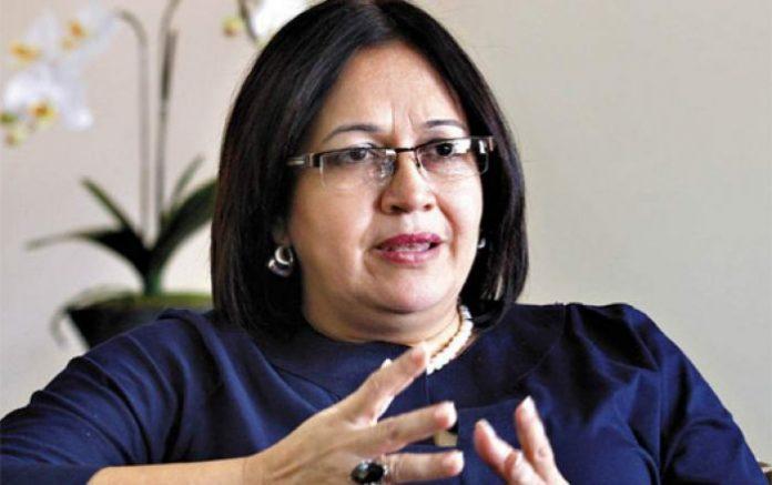 Tras denunciar negligencia del Gobierno, Araujo es separada de Sinager
