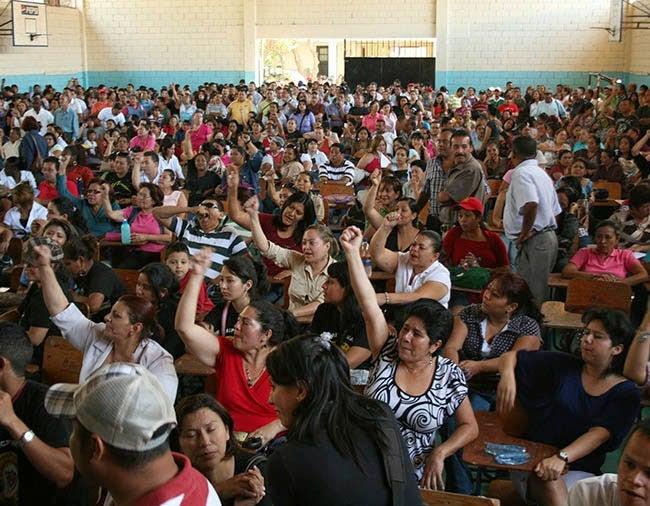 Magisterio: 10,000 docentes viven en calamidad doméstica por falta de pagos