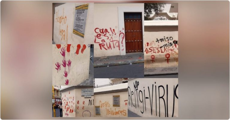 TGU: durante marcha feminista, mujeres manchan paredes de catedral