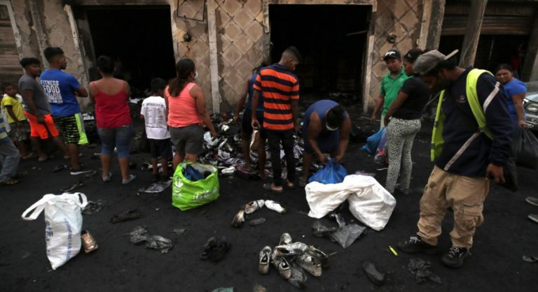 Entregarán L2 mil a locatarios afectados por incendio en el mercado Colón
