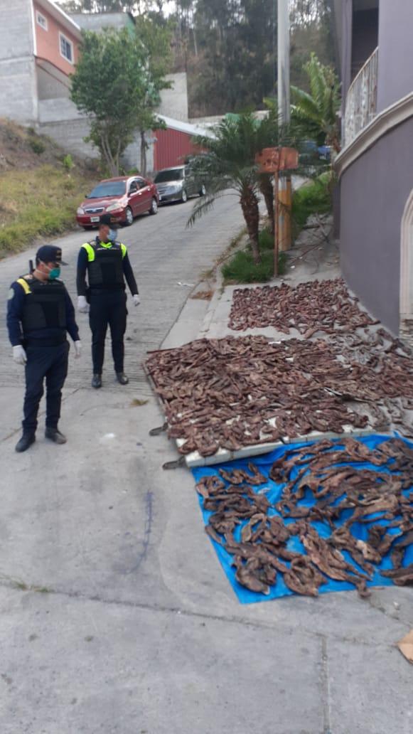 La carne fue abandonada al lado de la calle en una colonia de Comayagüela.