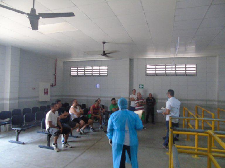 """Personal de Salud inspecciona """"El Pozo"""" tras muerte de reo por covid-19"""