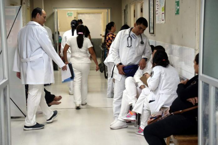 médicos internos