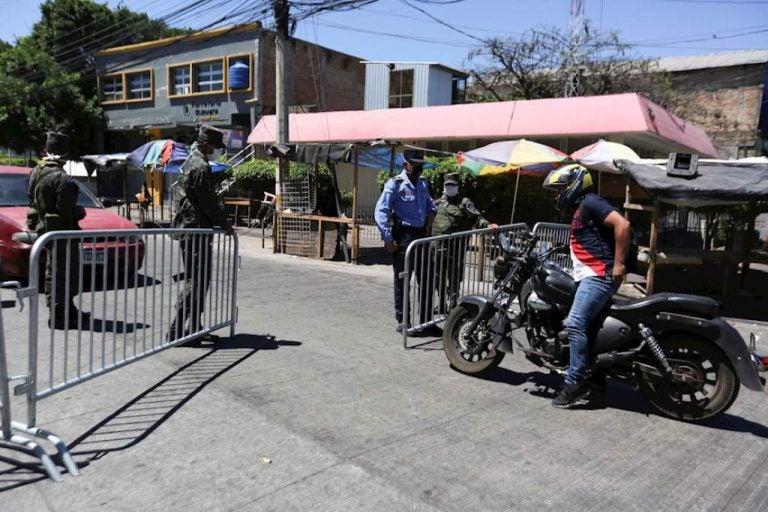 Civiles que circulen con salvoconductos falsos serán remitidos a la Fiscalía