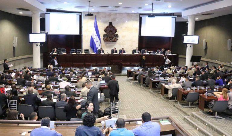 Congreso exige informe de compras por COVID-19 al Poder Ejecutivo