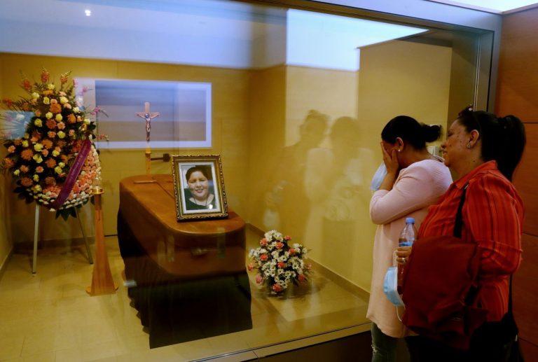 """""""Cuando ustedes nos digan, procedemos"""": incineran a hondureña Erika Mejía en España"""