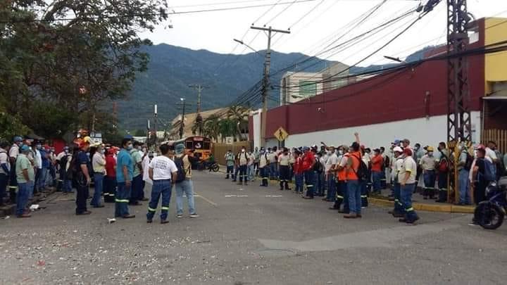 ¡Otra vez! Empleados de la Cervecería protestan por falta de equipo de bioseguridad