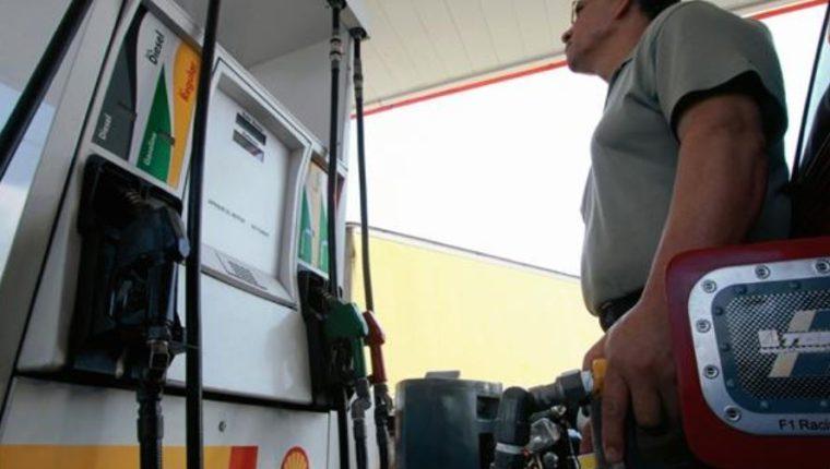 AHDIPPE: La «racha» de reducciones al precio de los combustibles finalizó