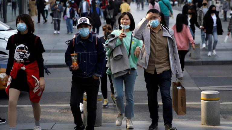 Nuevos brotes en tres países pone en duda su reactivación económica