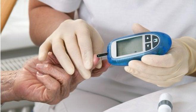 Salud: De cien 100 infectados con Covid-19, la mitad son hipertensos o diabéticos