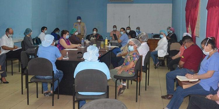 El Paraíso: Por no atender dengue y Covid-19 separan a directora regional de Salud