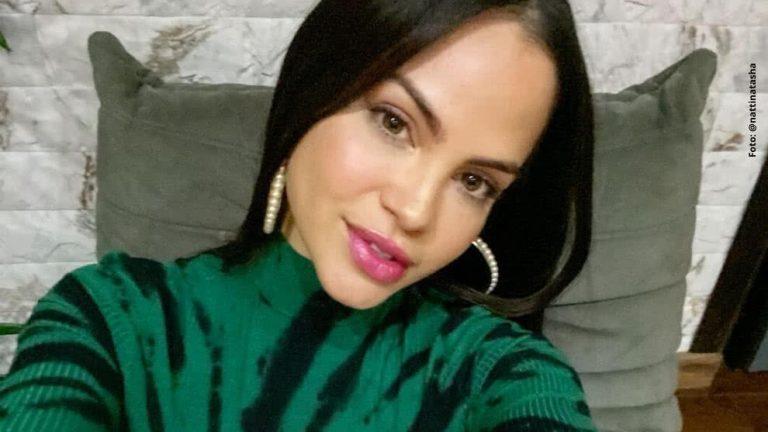 En Instagram, Natti Natasha se hace prueba de embarazo en vivo