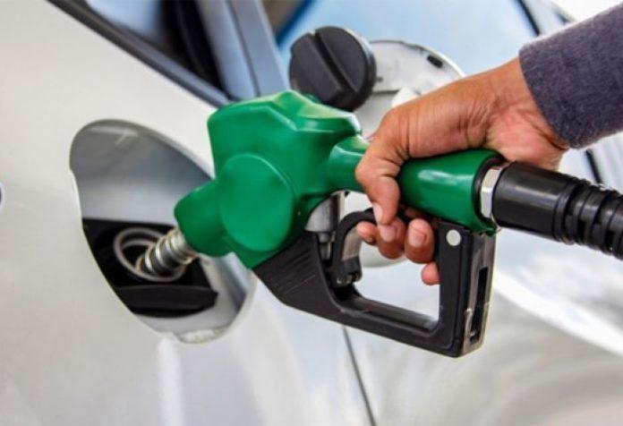 A partir del lunes, los combustibles tendrán alza de algunos centavos