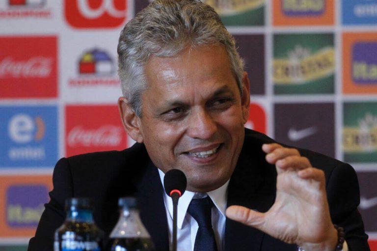 Reinaldo Rueda imparte charla a técnicos de la Masía