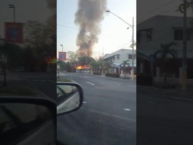 SPS: propietaria afirma que el devorador incendio que consumió Paseo Irka fue provocado
