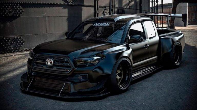 Una Toyota Tacoma hecha para drifting y rallycross