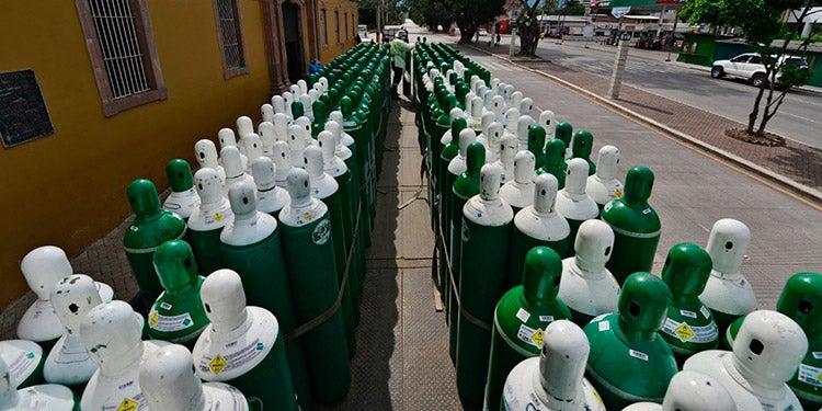COVID-19: Unos 270 cilindros de oxígeno llegan al Hospital San Felipe
