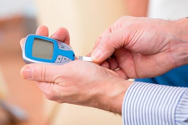 Entérate qué es la hipoglucemia y cómo se debe tratar