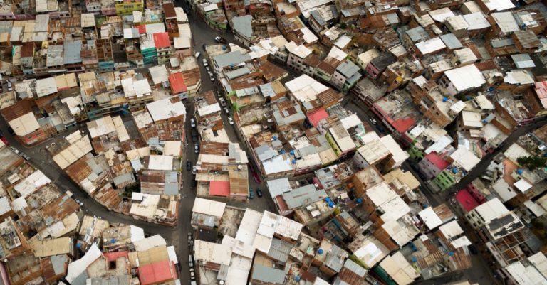 Opinión de Ernesto Stein: La búsqueda de casos COVID-19 en barrios marginales