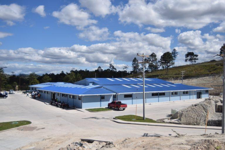 "Sin equipar inauguran ""moderno"" Hospital Policlínico en Siguatepeque"