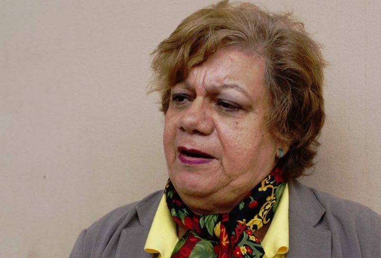 Indignada y molesta, Doris Gutiérrez arremete contra proyecto de edificación para la CNBS