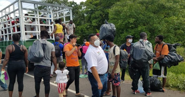 Llega a Tegucigalpa caravana migrante de haitianos, cubanos y africanos