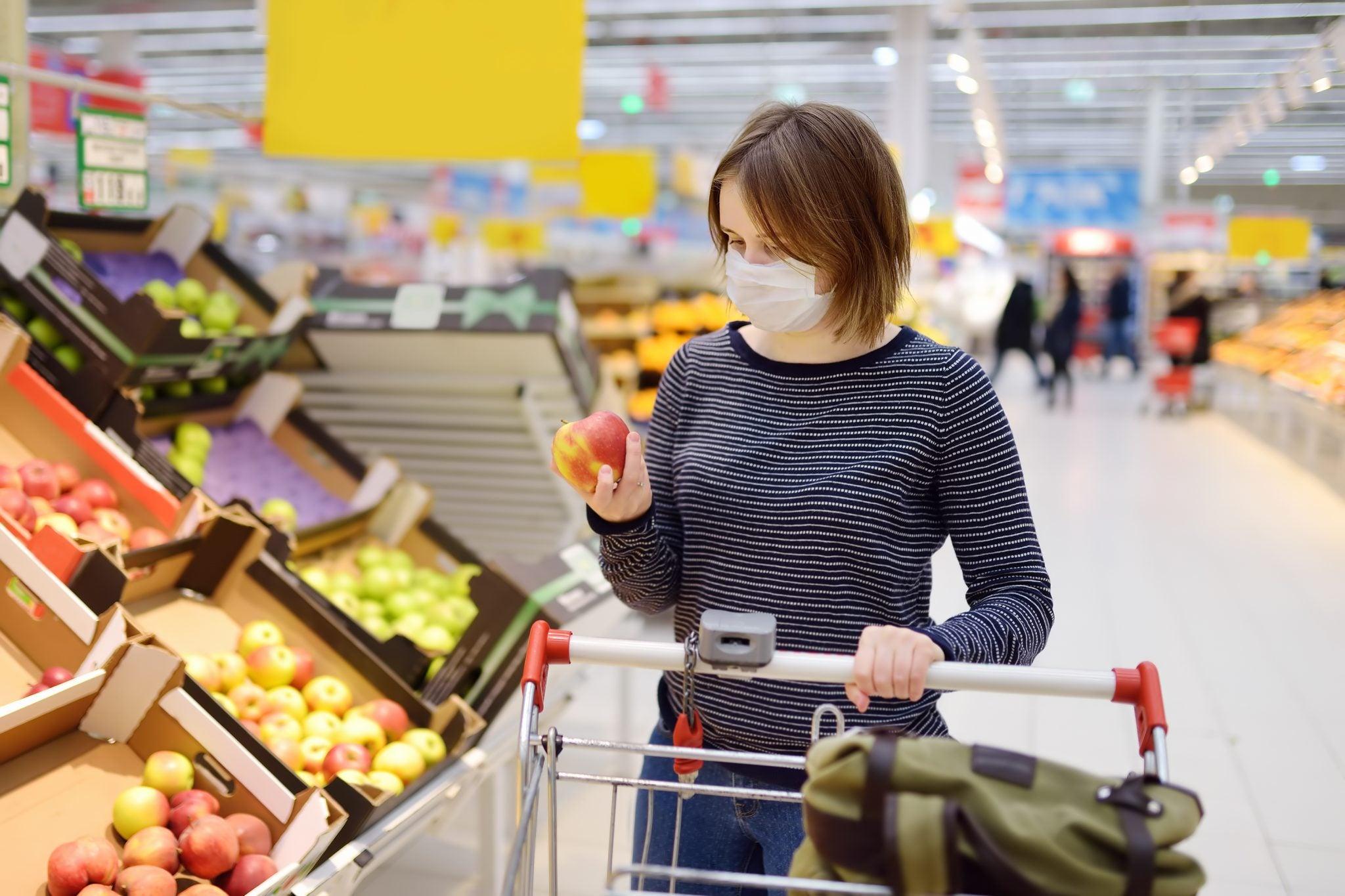 Cifras del coronavirus|  Siete tips para evitar contagiarte si sales de compras